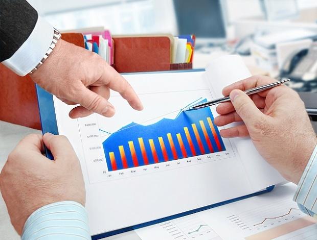 Bei offenen Immobilienfonds kaufen die Anleger Anteile bei ihrer Bank, wobei die Höhe der Anteile nicht begrenzt ist. (#03)