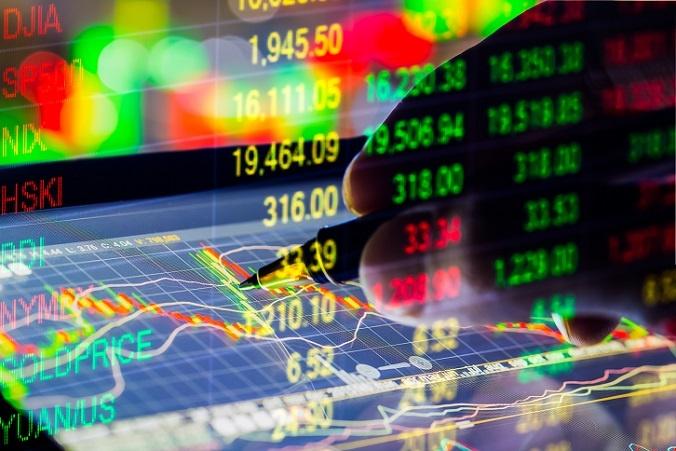 """Hedgefonds haben vor allem in Amerika eine lange Tradition und erfreuen sich dort auch besonders großer Beliebtheit. Genau wie bei anderen Investmentfonds entscheidet auch hier der Fondsmanager, was mit dem Geld passiert – nicht selten hunderte Millionen Dollar, die von Managern, CEOs und anderen """"Gutverdienern"""" investiert wurden. (#02)"""
