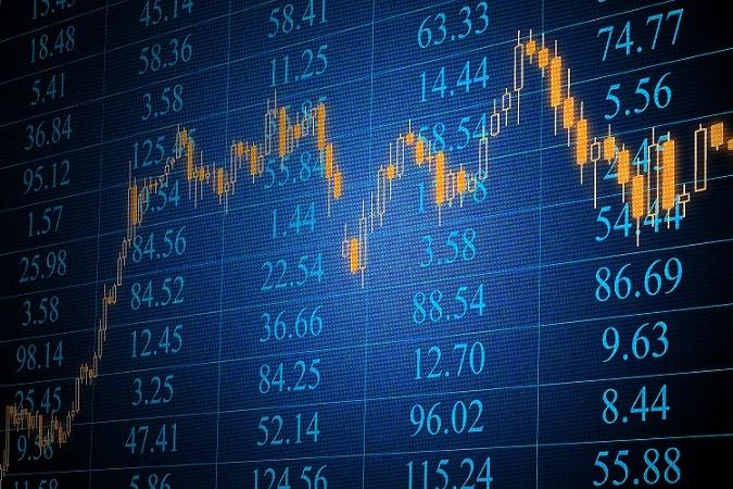 Im Jahre 2014 waren in Deutschland 38 solcher Fonds zugelassen. Überwacht und beaufsichtigt werden sie hierzulande von der Bundesanstalt für Finanzdienstleistungsaufsicht (BaFin). Außerdem ist der deutsche Markt wesentlich stärker reguliert als vergleichbare, große Märkte wie z.B. jener in den USA. So ist in Deutschland z.B. der Einsatz von fremdem Kapital begrenzt. (#05)