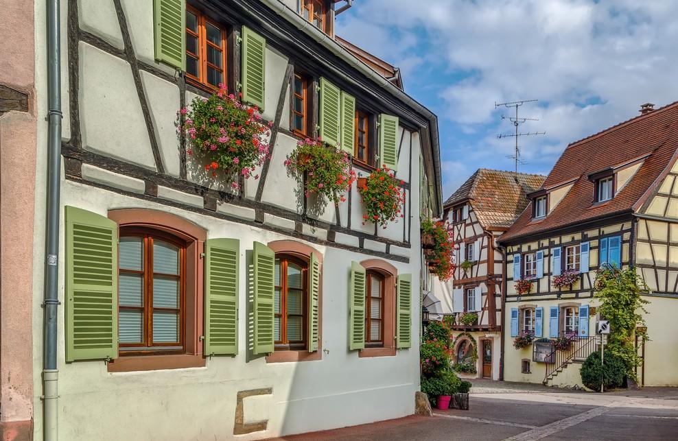 Diese Elsaß-Immobilie steht als Fachwerkhaus in Eguisheim. (#2)