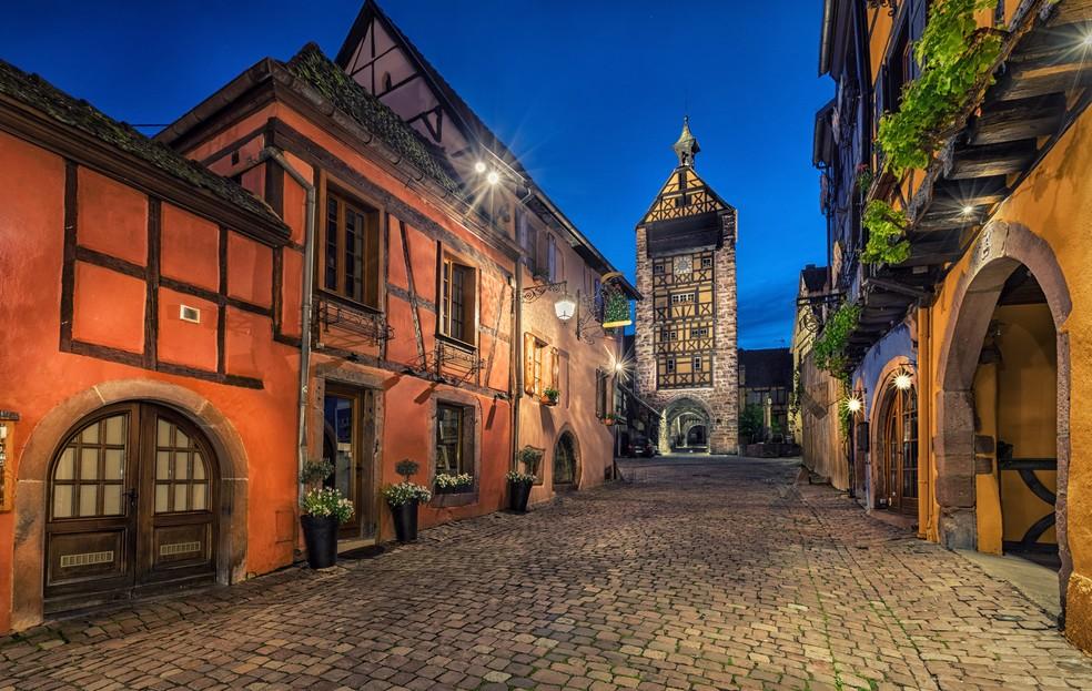 Der Dolder in Riquewihr gehört zu den Elsaß-Immobilien, die kein Investor erwerben kann. Der mittelalterliche Turm ist ein Wahrzeichen der Stadt Riquewihr und beherbergt ein Museum. Wer an Immobilien interessiert ist, wird jedoch in den umliegenden Fachwerkhäusern eventuell ein passendes Anlageobjekt finden. (#8)