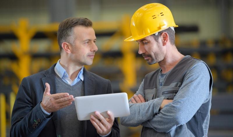 Der Direktvertrieb durch Vertikalisierung bringt den Vorteil, dass der Hersteller nicht nur seine Produkte direkt an den Endkunden veräußern kann, sondern dass er auch die volle Kontrolle über die gesamte Markenkommunikation behält.