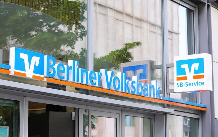 Die Liste der genossenschaftlichen Banken in Deutschland umfasst bekannte Namen.  Zu dieser Gruppe der Banken gehören die größten Banken Deutschlands. (Foto: shutterstock - TK Kurikawa)