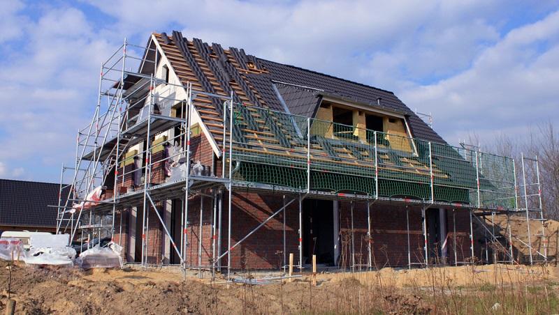 Wichtig ist des Weiteren, dass bei einem Kauf der <strong>Bauplan vorhanden</strong> sein muss. ( Foto: Shutterstock- Bildagentur Zoonar GmbH)