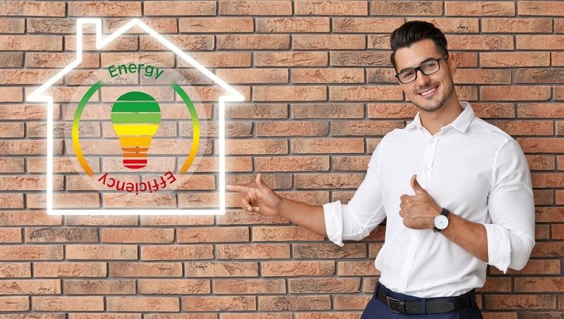 Dieser Zuschuss ist für den Energieberater gedacht und beträgt bis 4000 Euro. Bis zu 50 Prozent der Kosten für den Experten werden durch die Förderbank übernommen.  ( Foto: Shutterstock- New Africa )