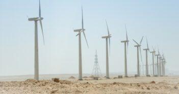 "US Capital Royal Eagle Green Energy Income Fund erhält ""Dark Green"" Auszeichnung (Foto: shutterstock - KuLouKu)"